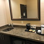Hampton Inn & Suites by Hilton Regina East Gate Photo