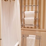 Heated rack to dry up your towels