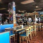 El Pub Restaurant ภาพถ่าย