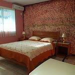 Habitación cama queen matrimonial balcon