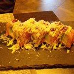 Uramaki, roast beef , rucola e grana