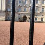 صورة فوتوغرافية لـ Buckingham Palace