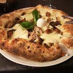 Pizza polpette e melanzane con cornicione ripieno