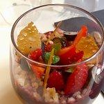 Duo de mousse au chocolat noir et coulis de fruits rouges !