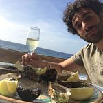Oyster, mussels and prosecco