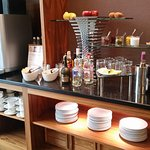 Executive Lounge - Happy Hour snacks and drinks