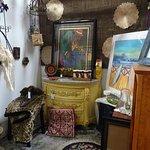 Carlsbad Village Art & Antique Mall resmi