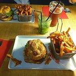 Mojito, bière et burgers frites de la Barbotte
