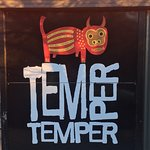 Foto de Temper Temper Fine Chocolate