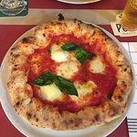 Pizza strombolicchio con ricottta dentro la pasta