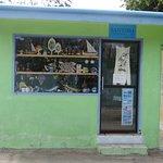 Souvenire shop, Ukulhas - city