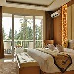 Bedroom Royal Giraffe Suite