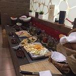 Завтрак шведский стол в отеле Имеретинский