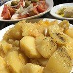 Spicy(!) potato bravas