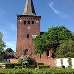 Kirken set fra torvet
