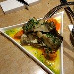 Alcachofas, mejillones escabechados. Deliciosas es quedarse corto.