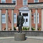 Thurgood Marshall Memorial resmi