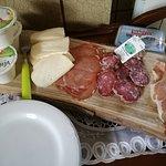 affettati della Garfagnana e formaggi di varese ligure