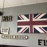 صورة فوتوغرافية لـ The Fish & Chip Shop