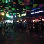 ภาพถ่ายของ Zoe Yellow doner kebap