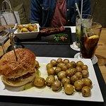 Burger + Brazilianisches Steak mit Babykartoffeln