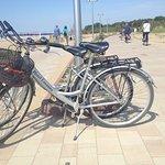 Tour am Strand mit den Hotelfahrrädern