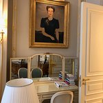 Windsor Suite Vanity