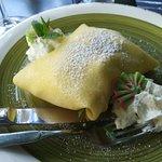 Crepes con gelato alla vaniglia e menta