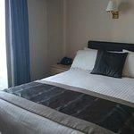 Burnett Arms Hotel afbeelding