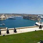 Upper Barrakka gardens with view over harbour