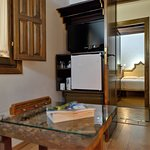 Suite Premium con/with jacuzzi. Available in our Website and in one more!