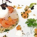 Duo de lieu fumé et saumon en gravlax, boulgour aux aromates, mousse bergamote.