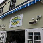 Foto de Wahoo's Waterside Bistro & Patio