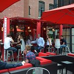 Rosso container bar
