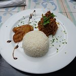 Ropa Vieja and Fried plantains with rice