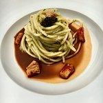 Spaghetti con caviale e granchio