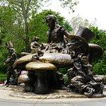 Alice In Wonderland statue - Central Park
