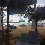 Entrée de l'espace privatif plage.