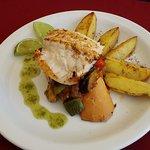 Menu Almoço> Filé de peixe grelhado c/shanfaina e rustica