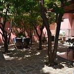Giardino dove viene servita la colazione