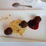 Hotel Joly: choux à la glace caramel enduits de chocolat