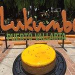 Pastel de maracuyá para celebrar tu cumpleaños en restaurant café lukumbé puerto vallarta