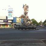 Tugu Walet/Lawet/Bird's Nest Statue (2)