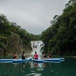 Cascada El Meco - Actividad Yoga en el agua