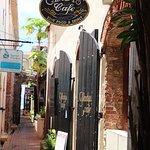 Photo de Gladys' Cafe