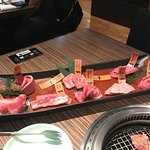 The 9600 Yen meat tray for two, minus 4 pieces