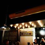 Manhattn's Burgers Avenue Louise의 사진