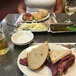 Φωτογραφία: Ben's Kosher Delicatessen Restaurant & Caterers