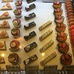 Pastelitos en el corner-café