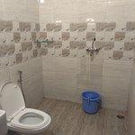super deluxe room bathroom